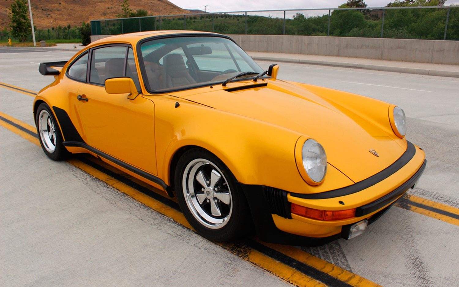 an anal retentive s perfect porsche 911 turbo heading to auction. Black Bedroom Furniture Sets. Home Design Ideas