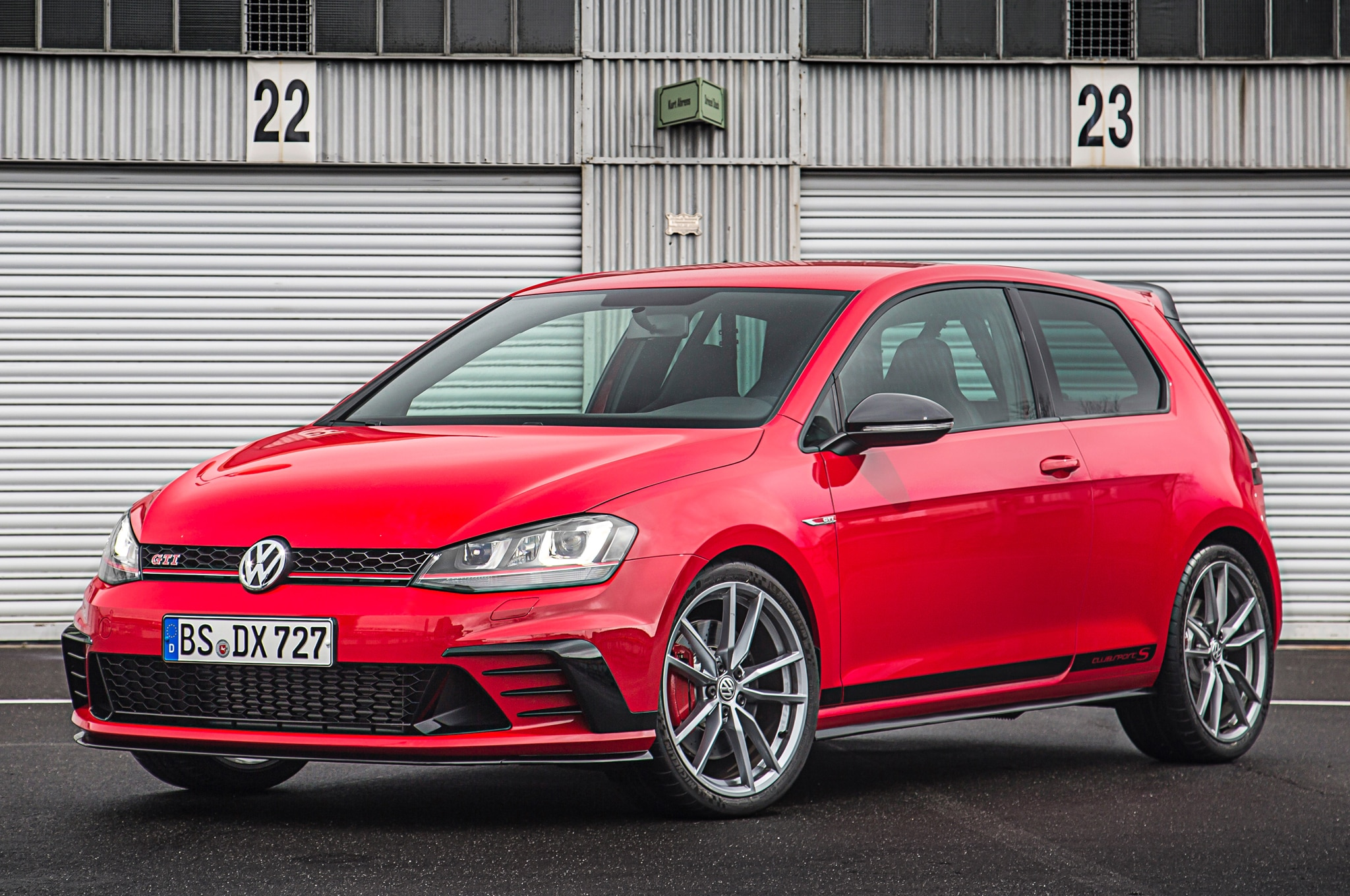 volkswagen golf gti clubsport s unveiled sets n rburgring. Black Bedroom Furniture Sets. Home Design Ideas