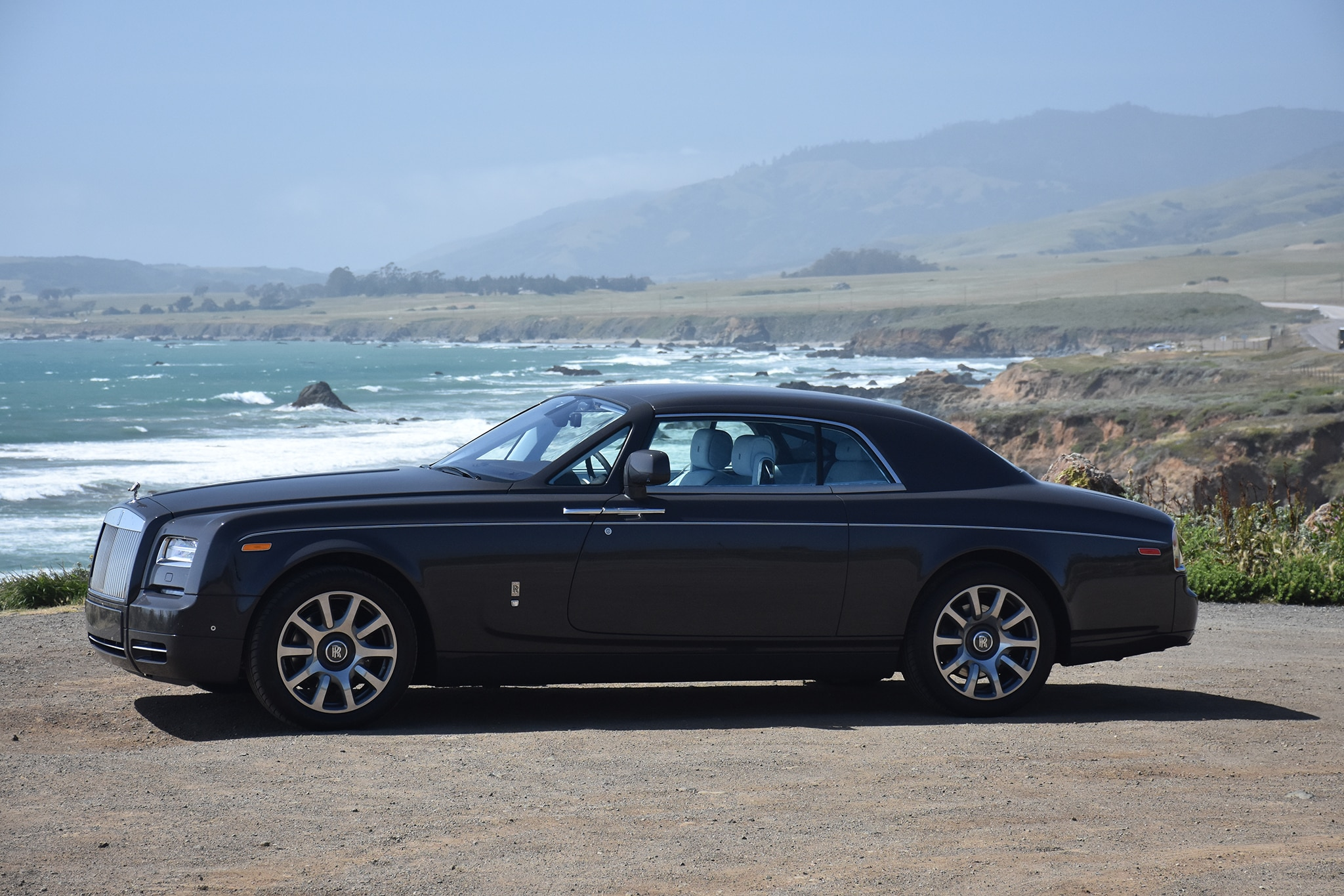 2016 Rolls Royce Phantom Coupe Front Three Quarter 03