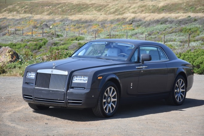 2016 Rolls Royce Phantom Coupe front three quarter 05