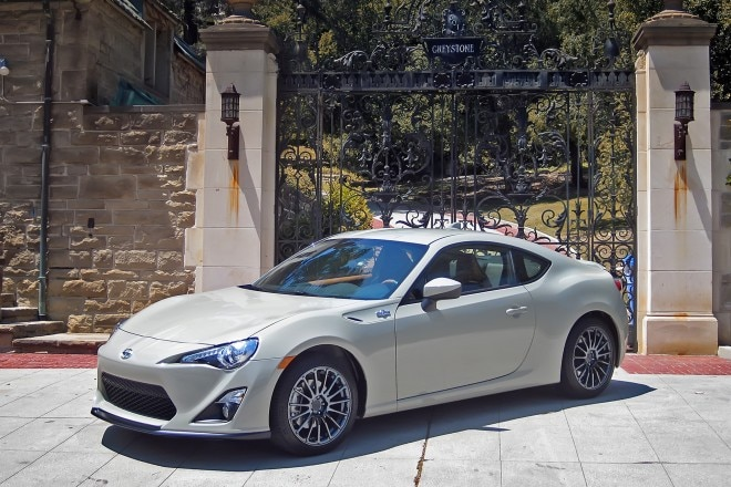 2016 Scion FR S Release Series 2 0 front three quarter 02