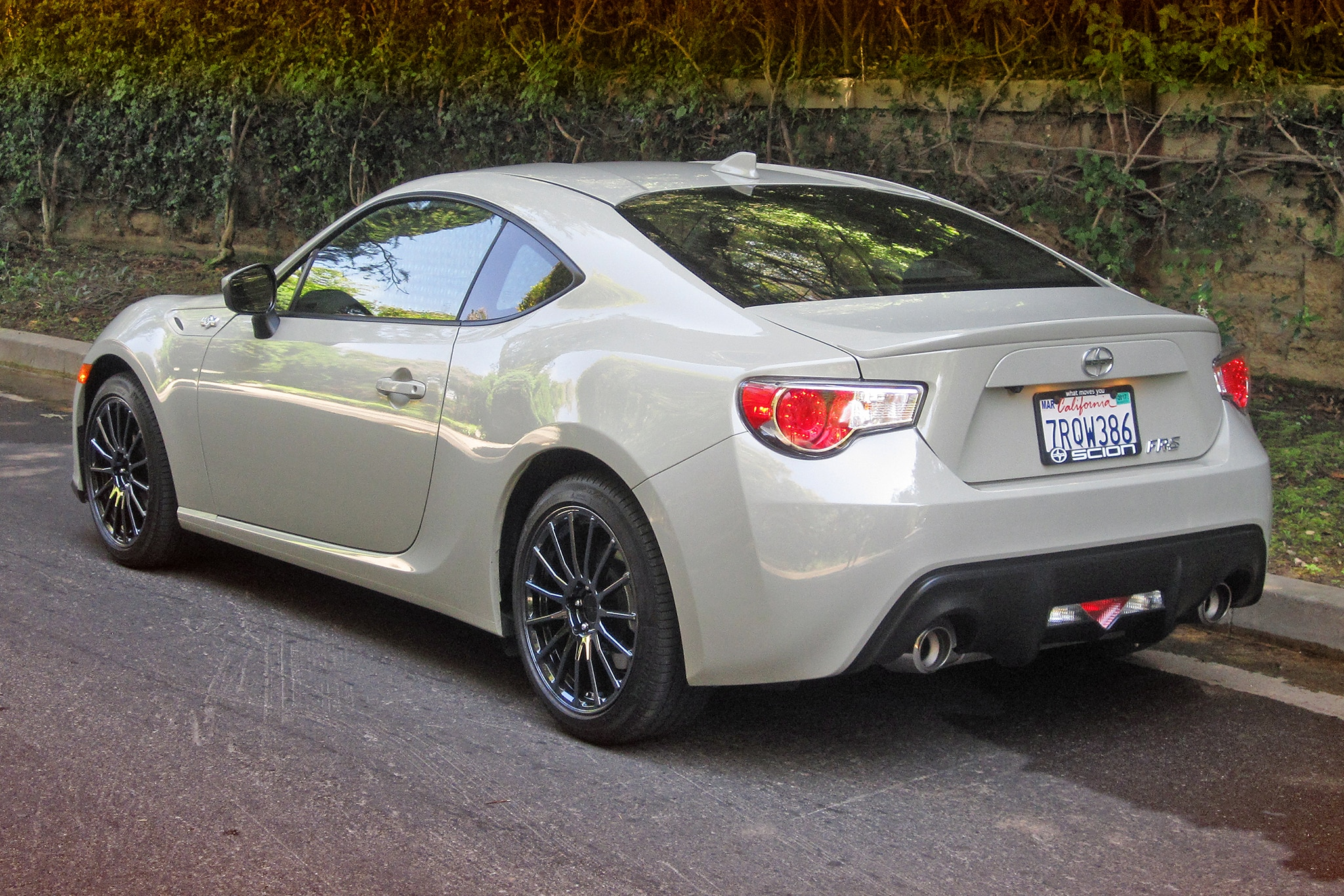 2016 scion fr s release series 2 0 rear three quarter. Black Bedroom Furniture Sets. Home Design Ideas