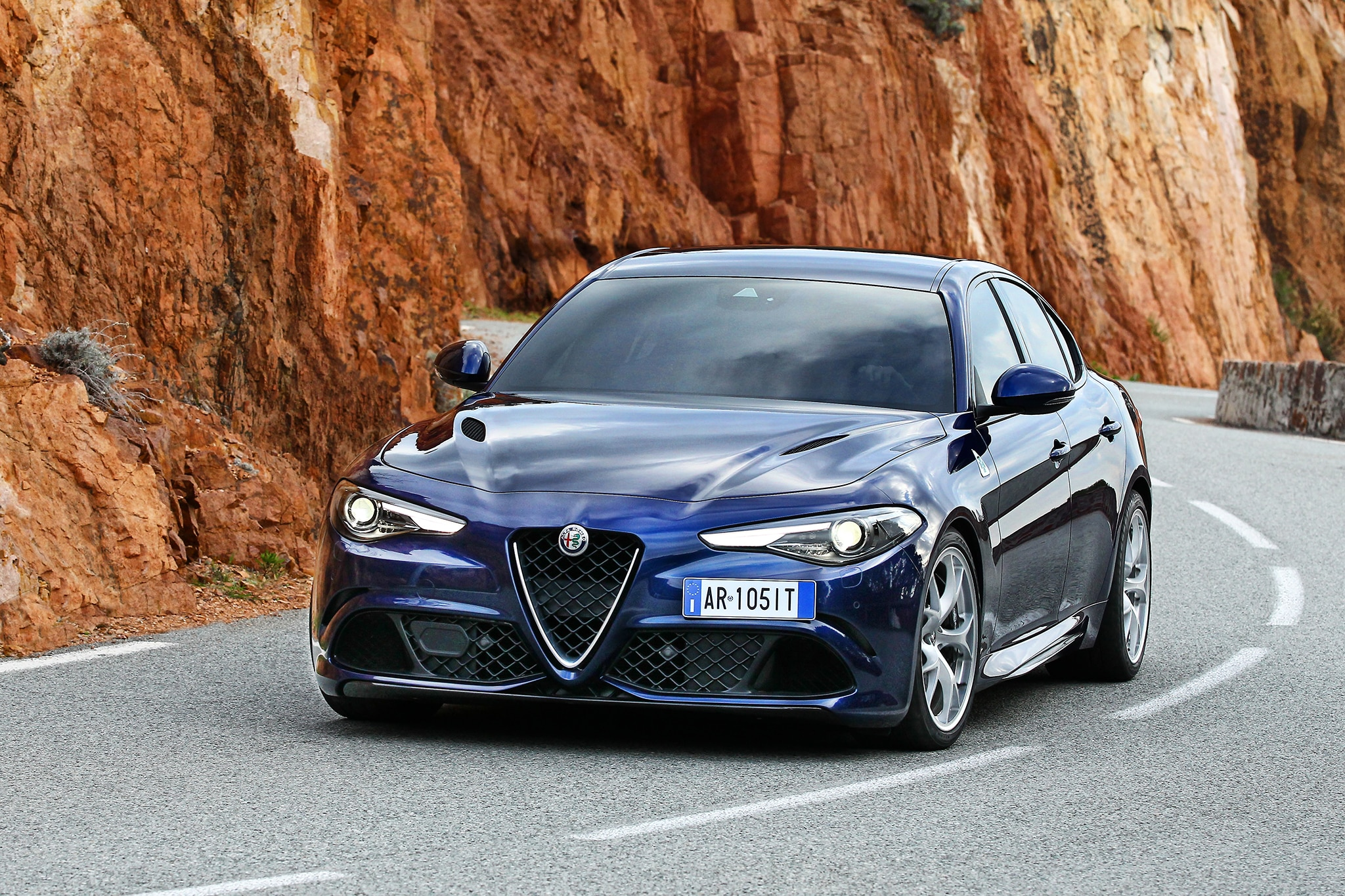 first drive alfa romeo giulia quadrifoglio automobile magazine. Black Bedroom Furniture Sets. Home Design Ideas