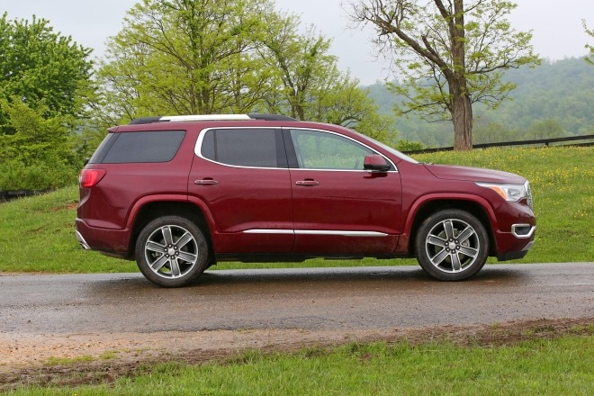 2017 GMC Acadia side profile 04