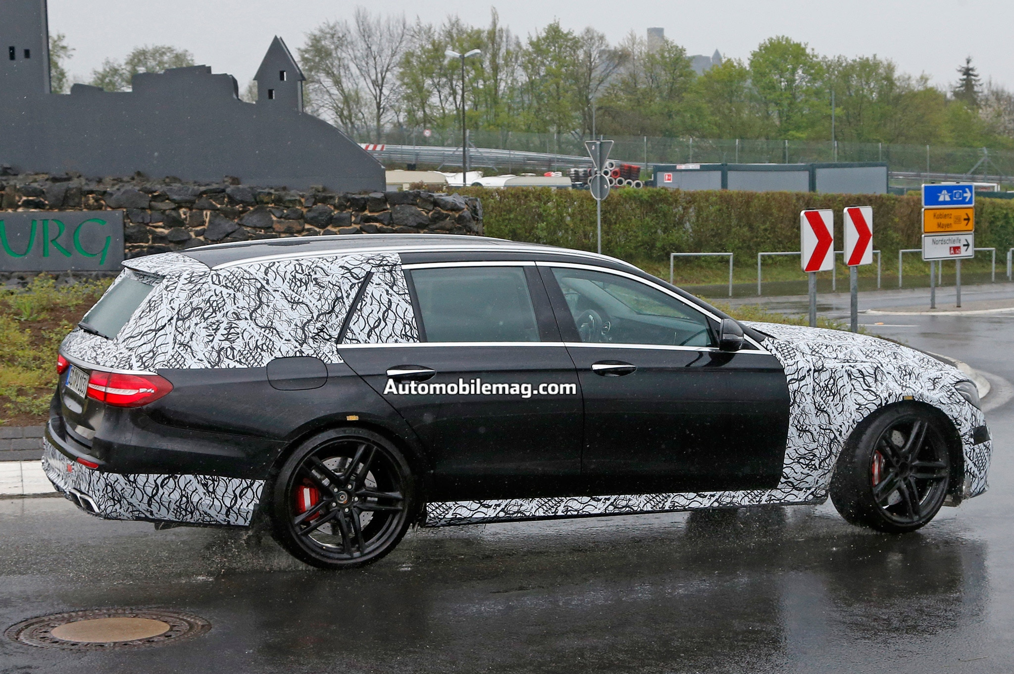 2017 mercedes amg e63 wagon caught testing at the nurburgring automobile. Black Bedroom Furniture Sets. Home Design Ideas