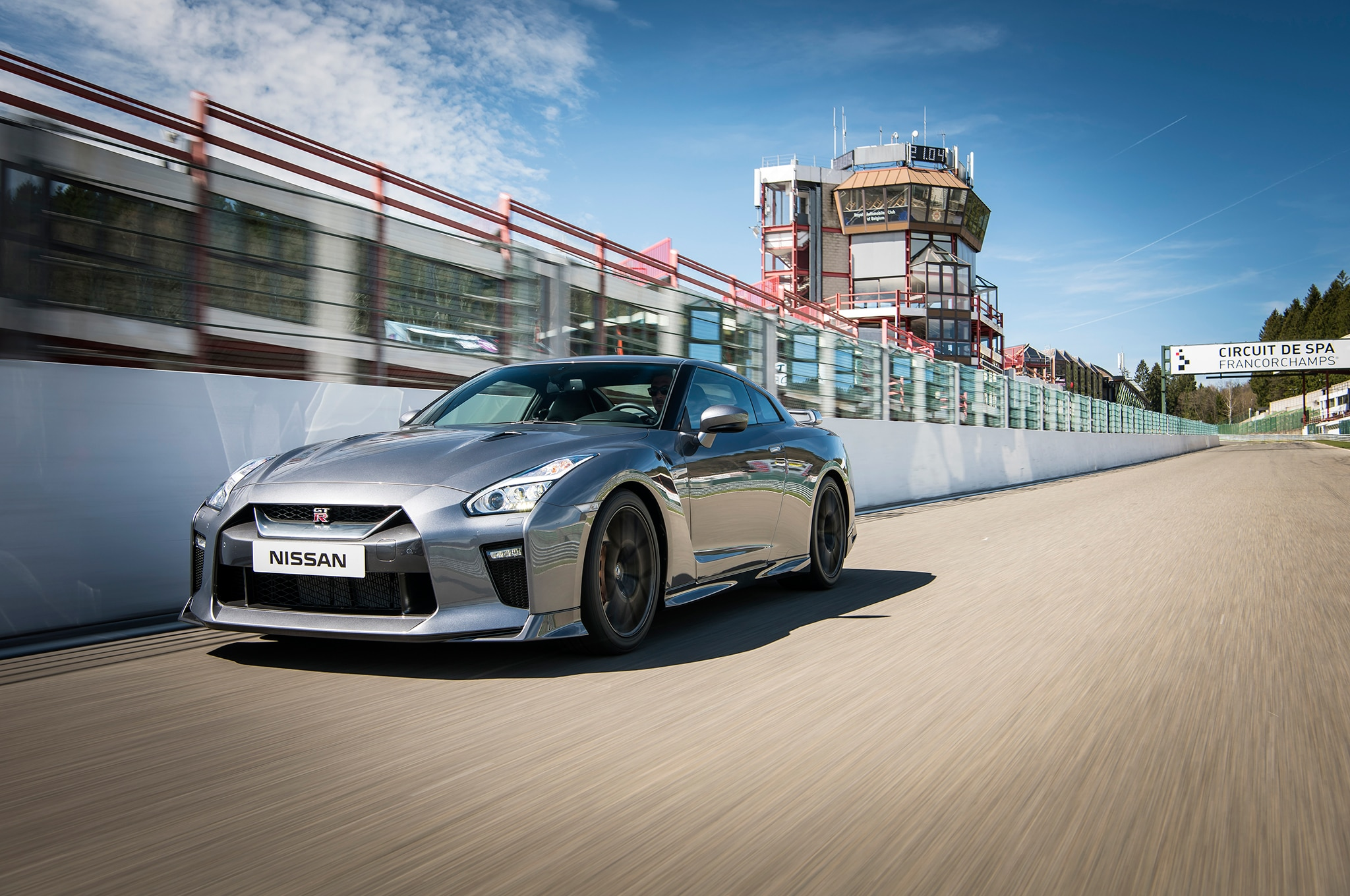 2017 Nissan Gt R Msrp >> 2017 Nissan GT-R Starting Price Jumps to $111,585 | Automobile Magazine