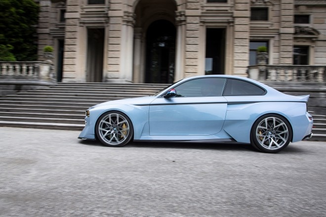 BMW 2002 Hommage concept side profile in motion 01