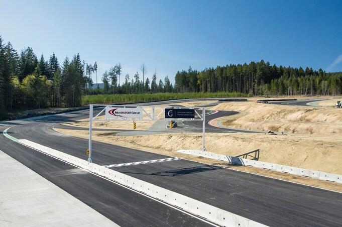 vancouver island motorsport circuit 02