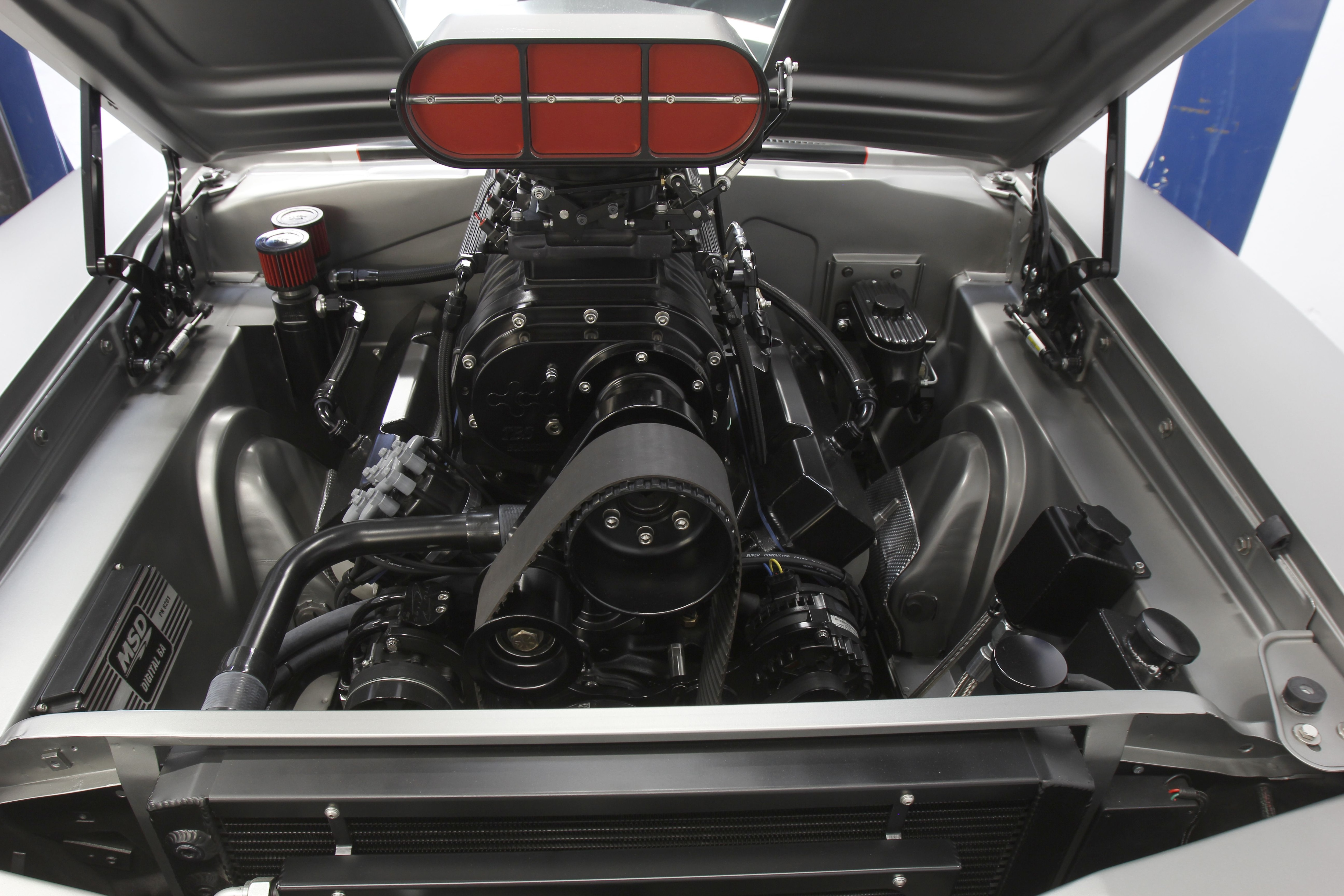 1970 dodge charger engine view 2