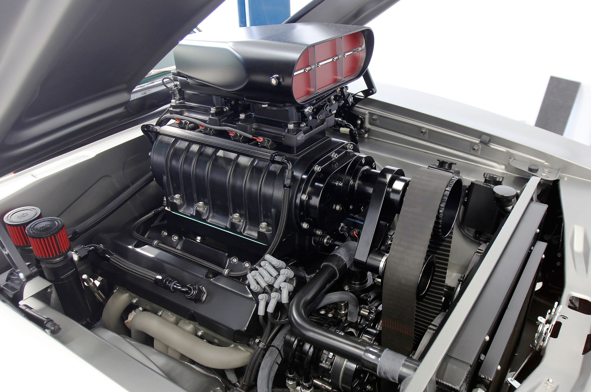 1970 dodge charger engine view
