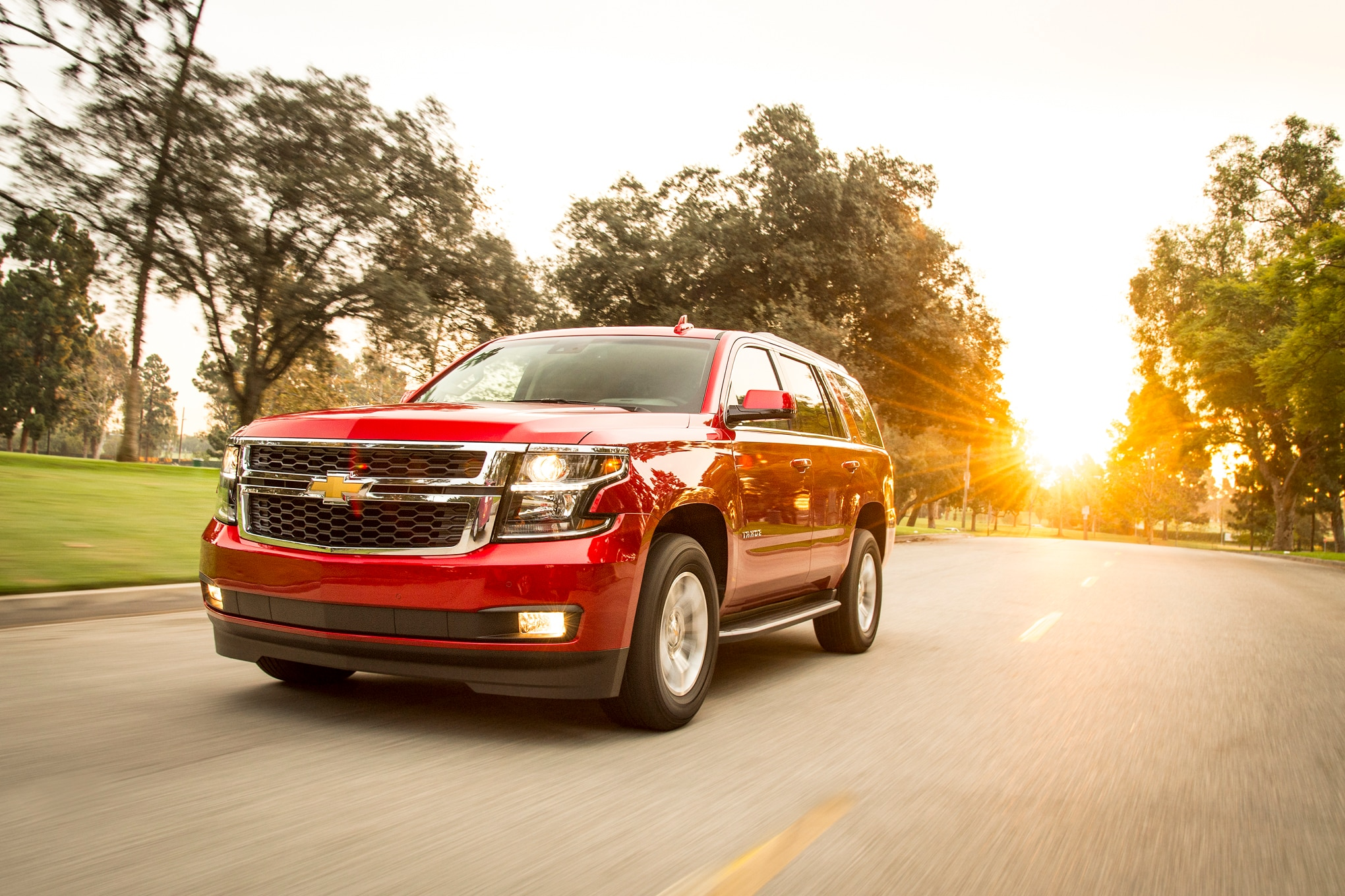 2015 Chevrolet Tahoe LT Front Three Quarter In Motion 04