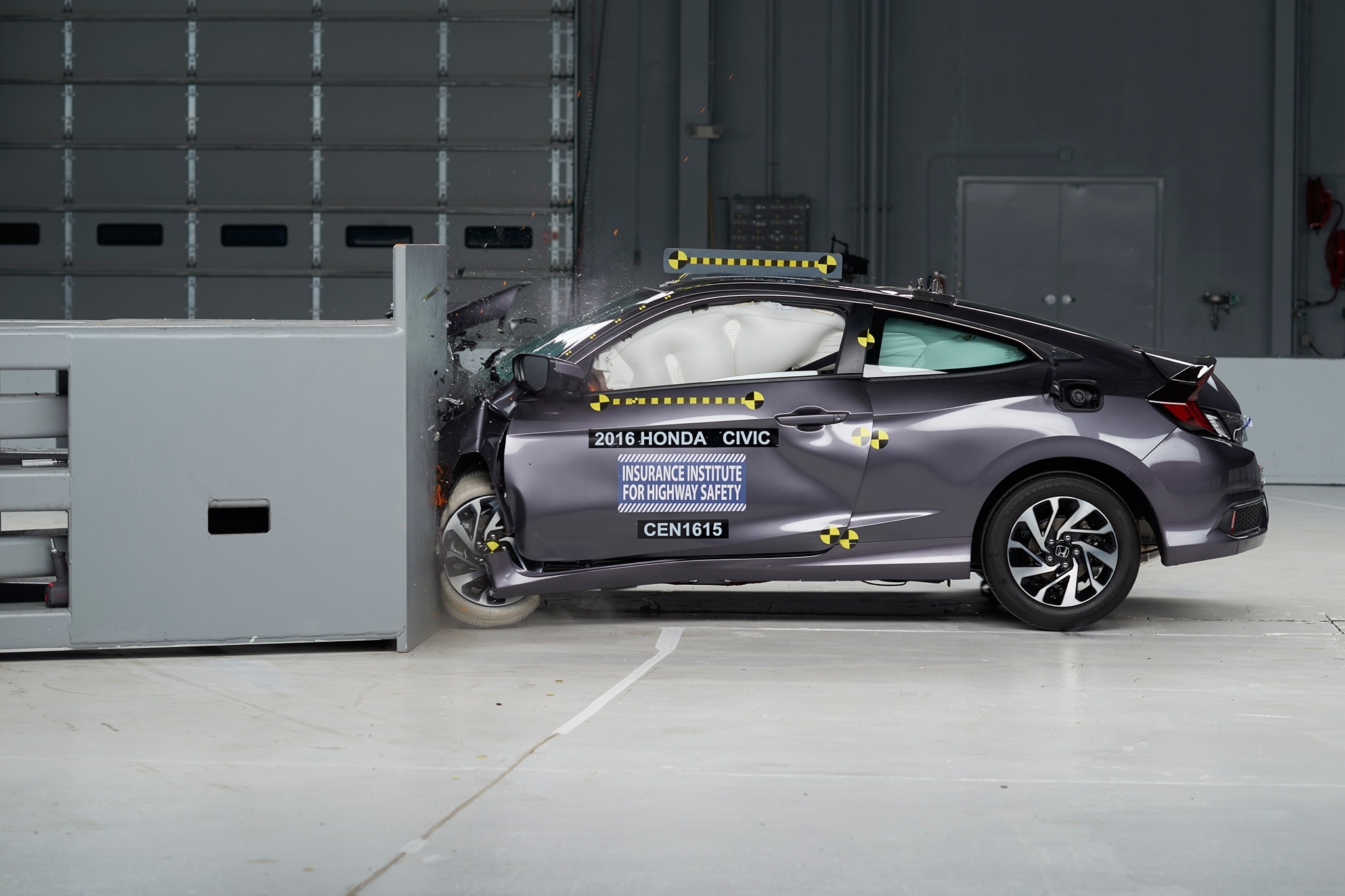 2016 Honda Civic Coupe IIHS testing side profile crash