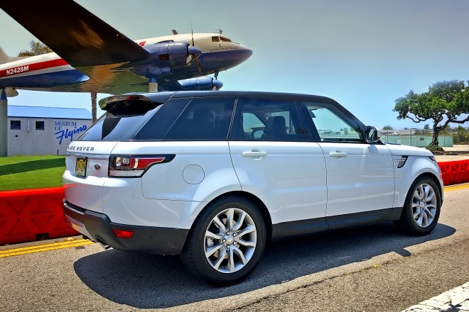 2016 Range Rover Sport HSE Td6 rear three quarter 01