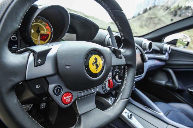2017 Ferrari GTC4Lusso steering wheel