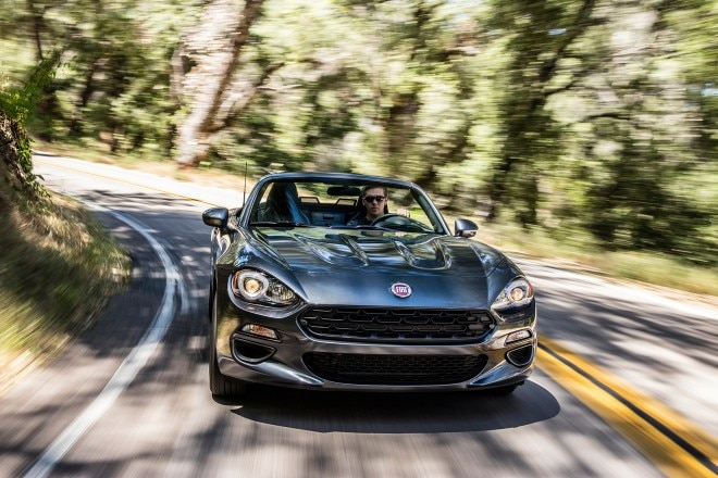 2017 Fiat 124 Spider Classica front view in motion 01