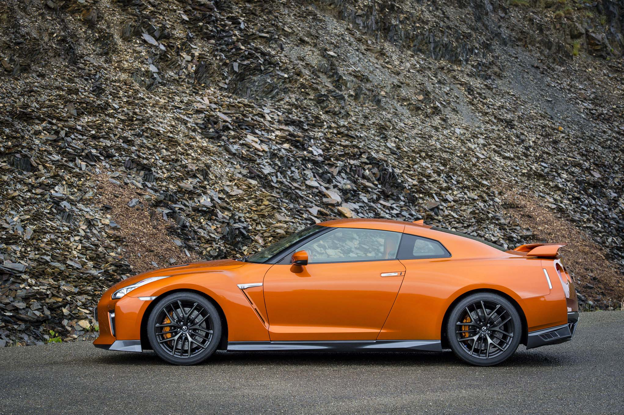 Buy 2017 Nissan Gt R Get Complimentary Track Day Virginia Internationa.