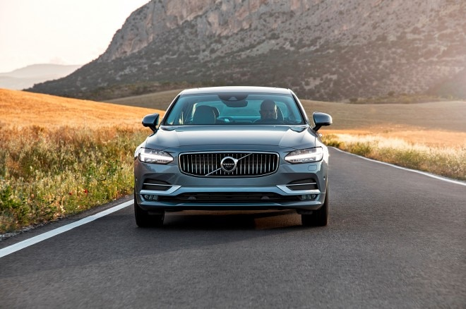 2017 Volvo S90 front end headlight