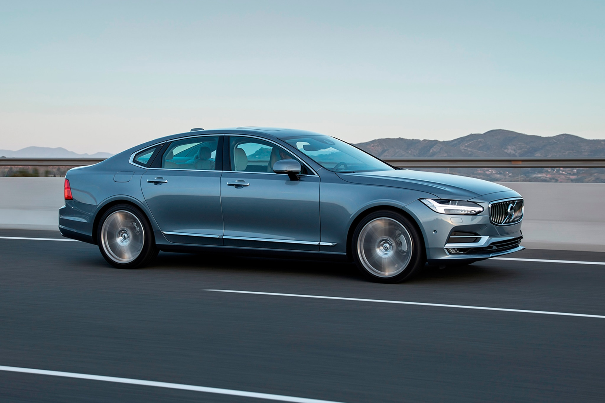 2017 Volvo S90 Side In Motion 1