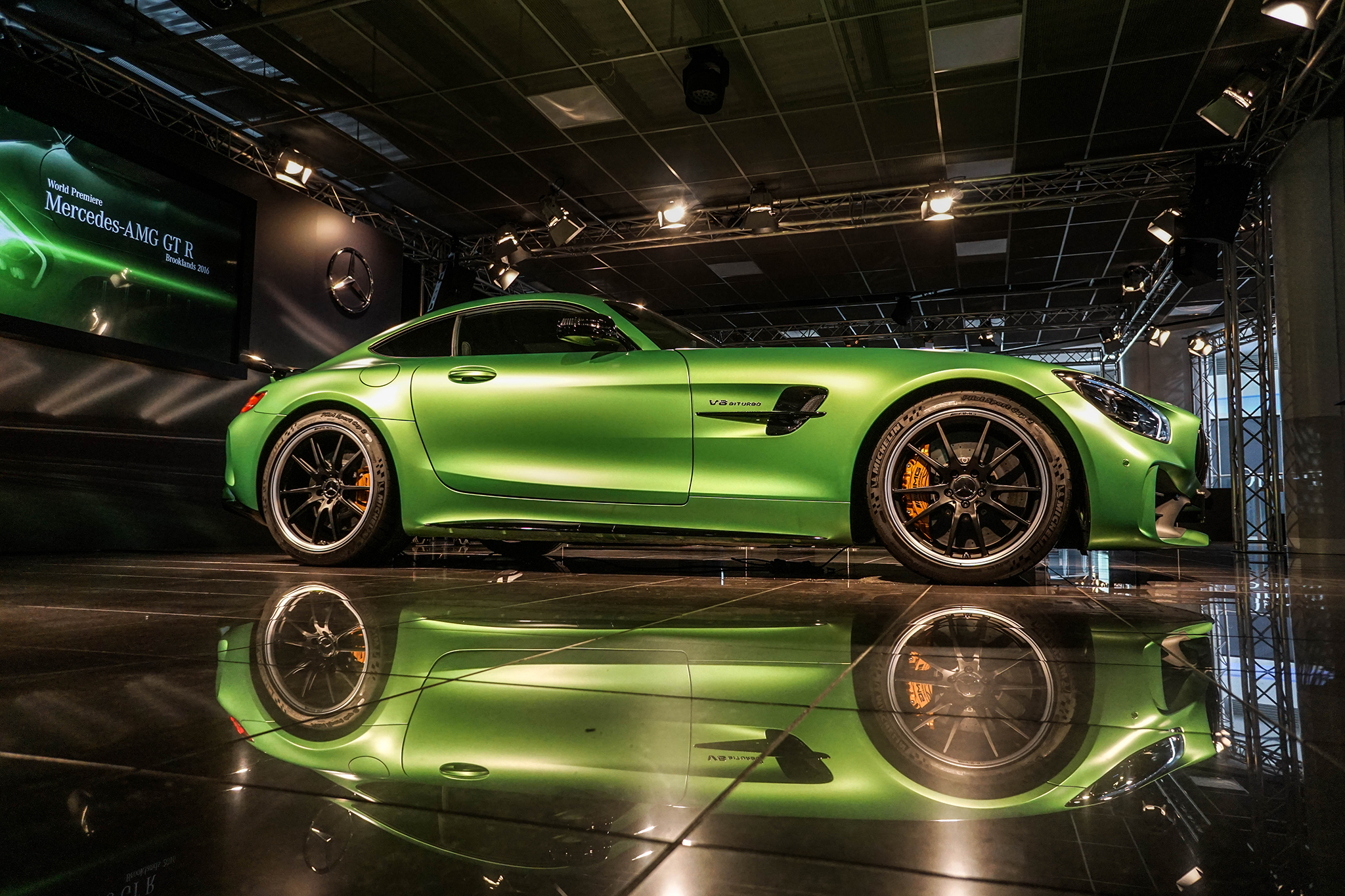 15 Things You Didn T Know About The 2018 Mercedes Amg Gt R