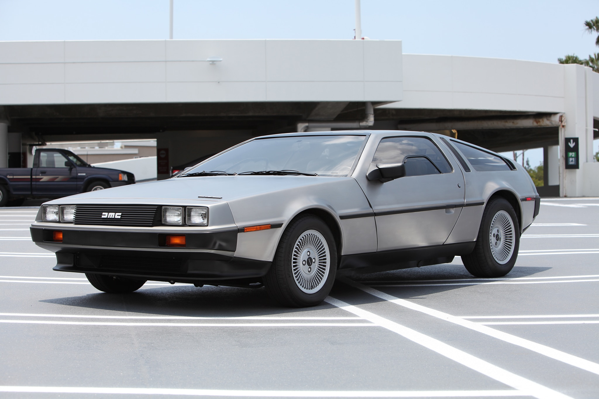 a perfectly restored delorean dmc 12 could be yours. Black Bedroom Furniture Sets. Home Design Ideas