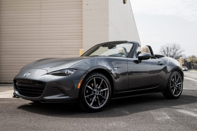 2016 Mazda MX 5 Miata Grand Touring front three quarter 04