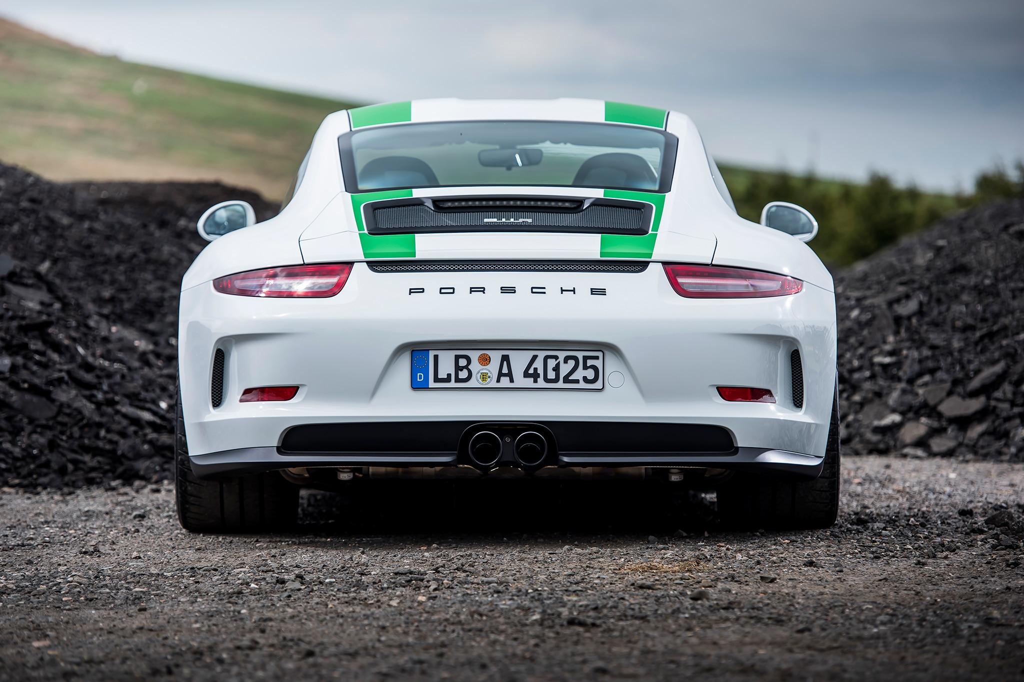 Porsche 918 Spyder Meets 911 R on