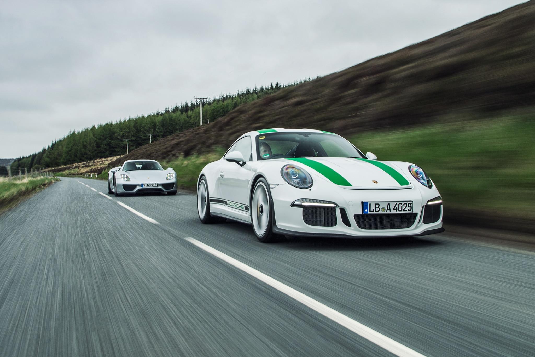 Porsche 918 Spyder Meets 911 R