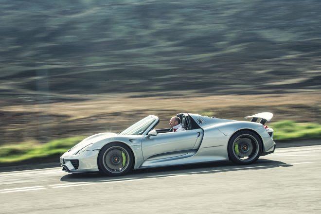 2016 Porsche 918 Spyder side profile in motion 01