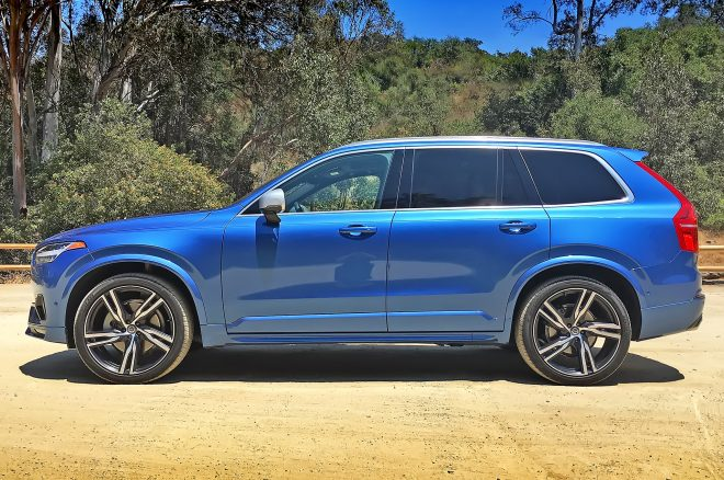 2016 Volvo XC90 R Design side