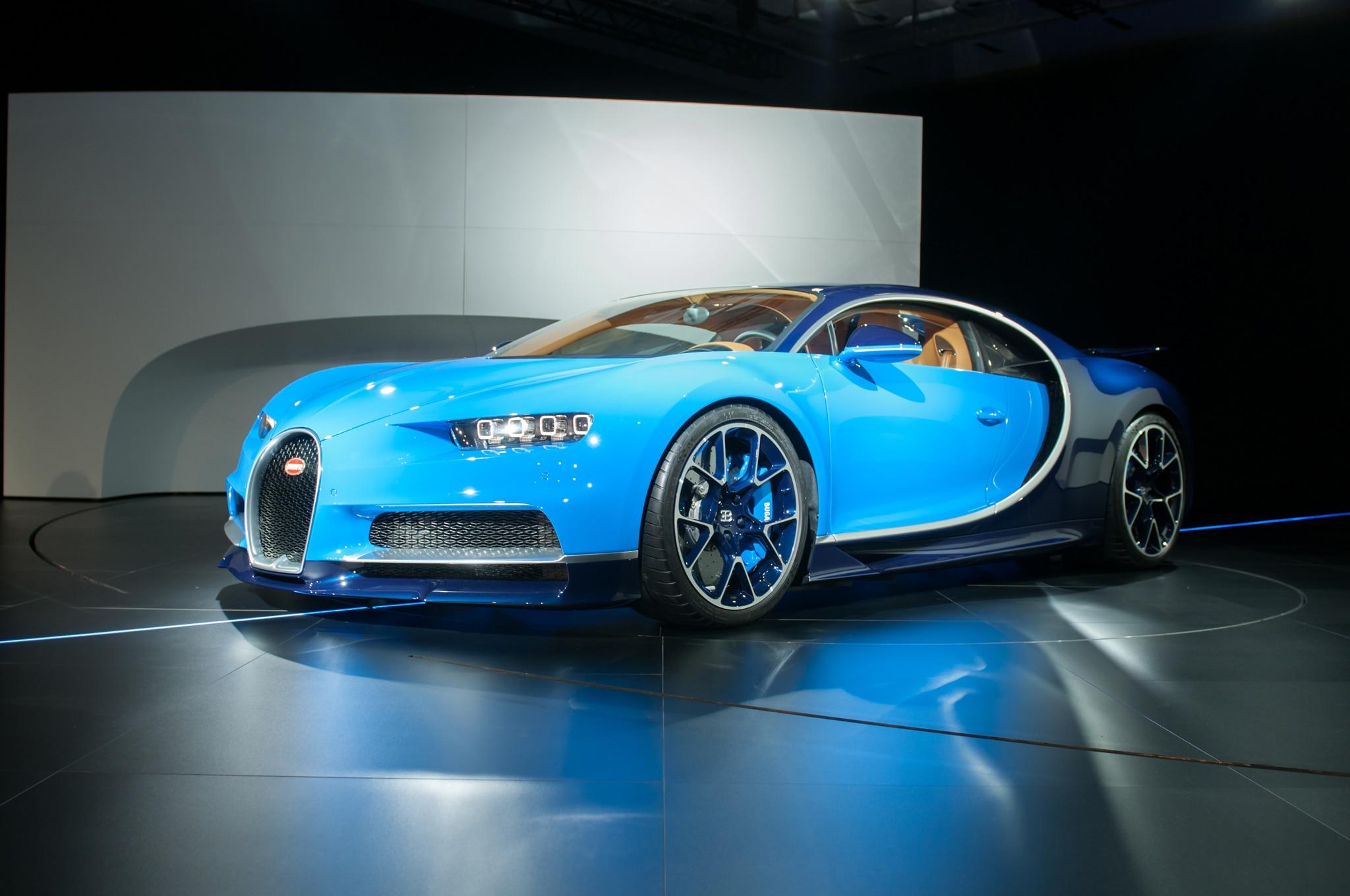 2017 Bugatti Chiron Front Three Quarter 04