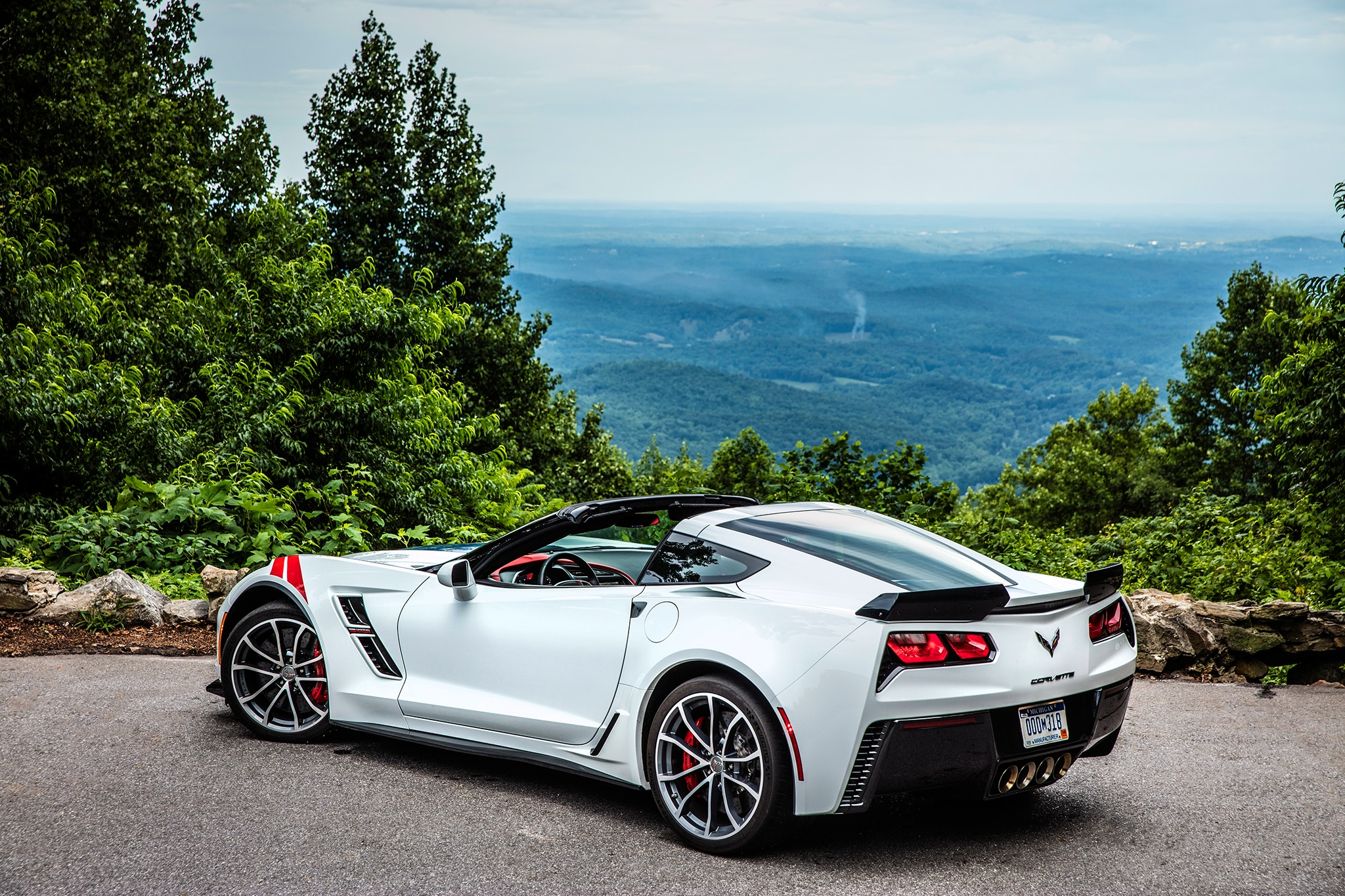 2017 chevrolet corvette grand sport first drive. Black Bedroom Furniture Sets. Home Design Ideas