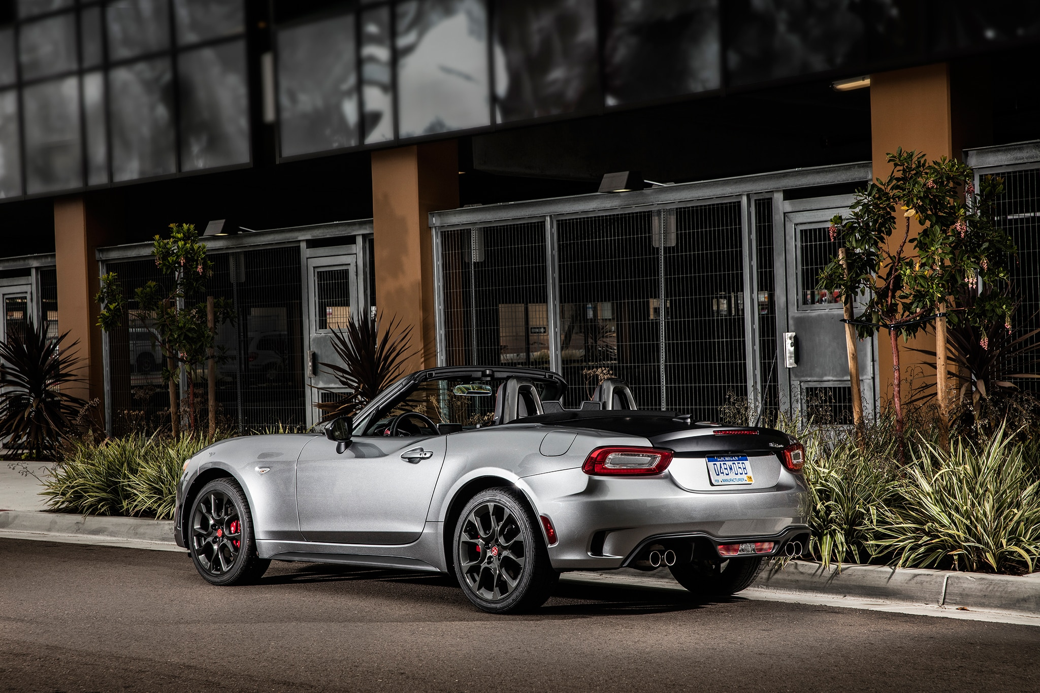 2017 fiat 124 spider abarth one week review automobile. Black Bedroom Furniture Sets. Home Design Ideas