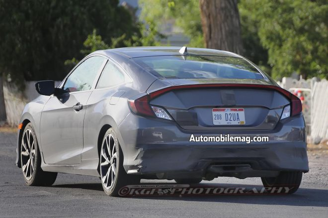 2017 Honda Civic Si Coupe Spyshot rear 3