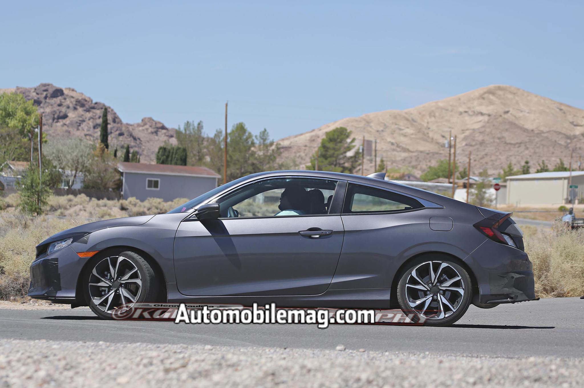 spied 2017 honda civic si coupe tests wearing minimal camo. Black Bedroom Furniture Sets. Home Design Ideas