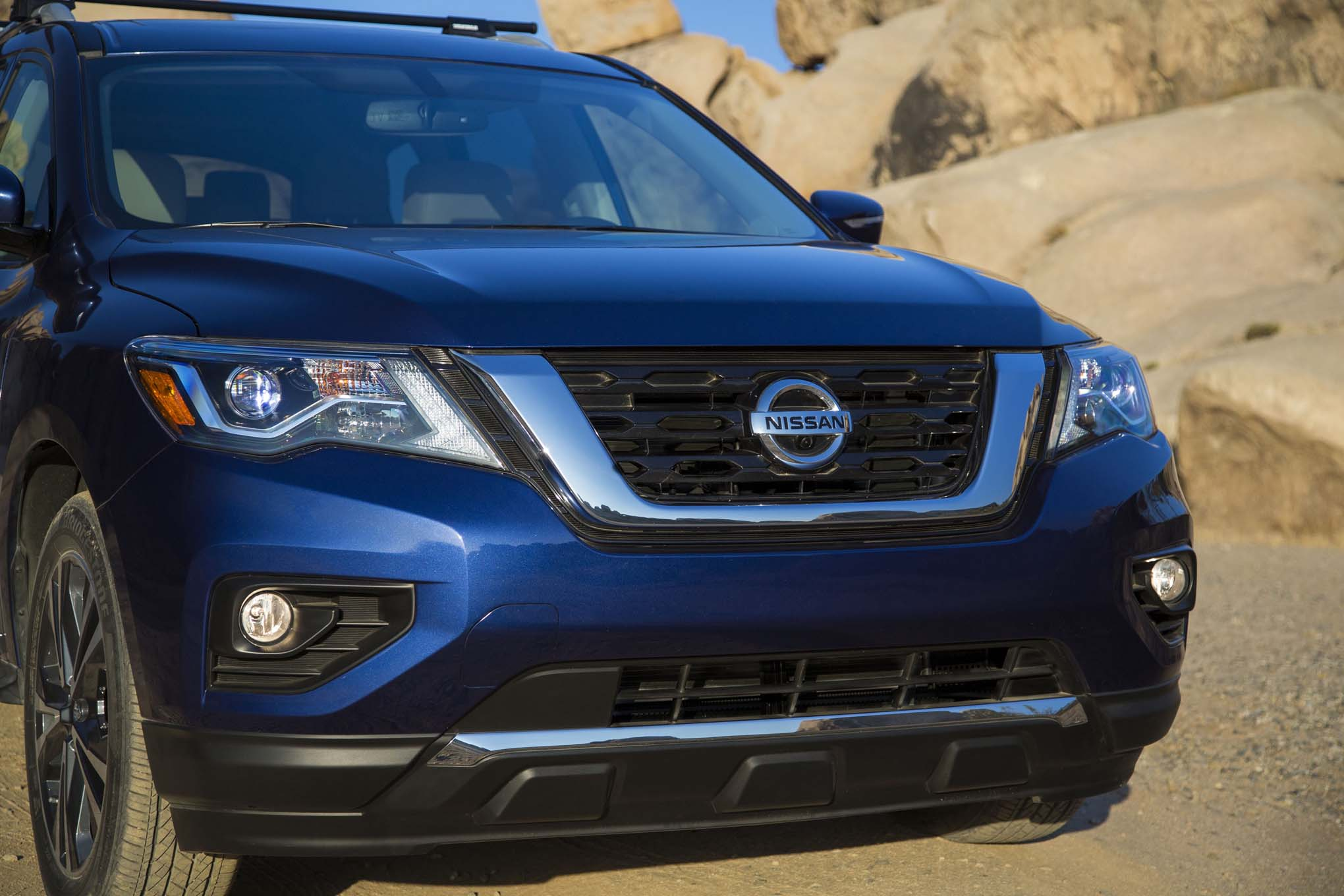 2017 nissan pathfinder revealed with more power torque. Black Bedroom Furniture Sets. Home Design Ideas