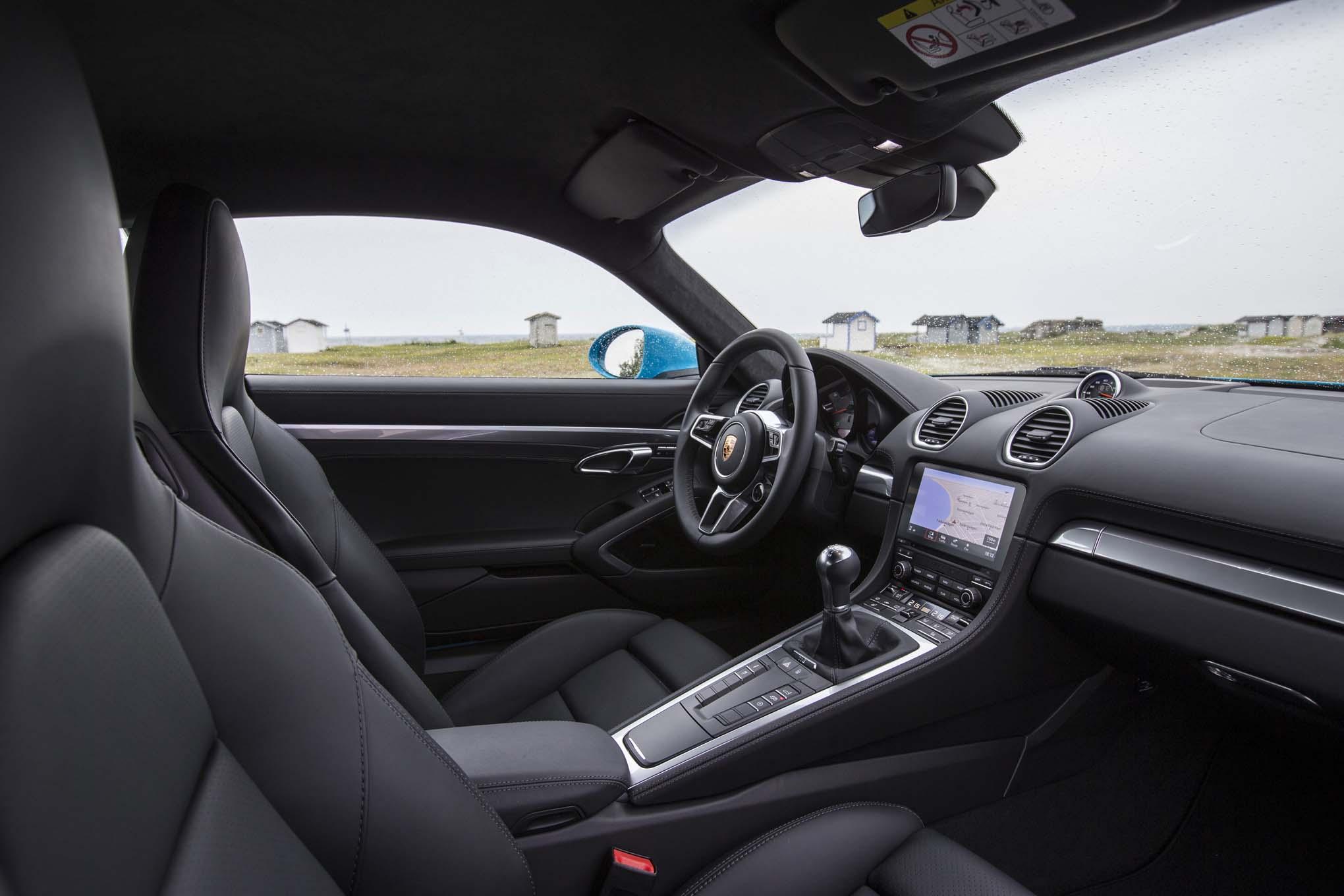 2017 porsche 718 cayman s interior view automobile magazine. Black Bedroom Furniture Sets. Home Design Ideas