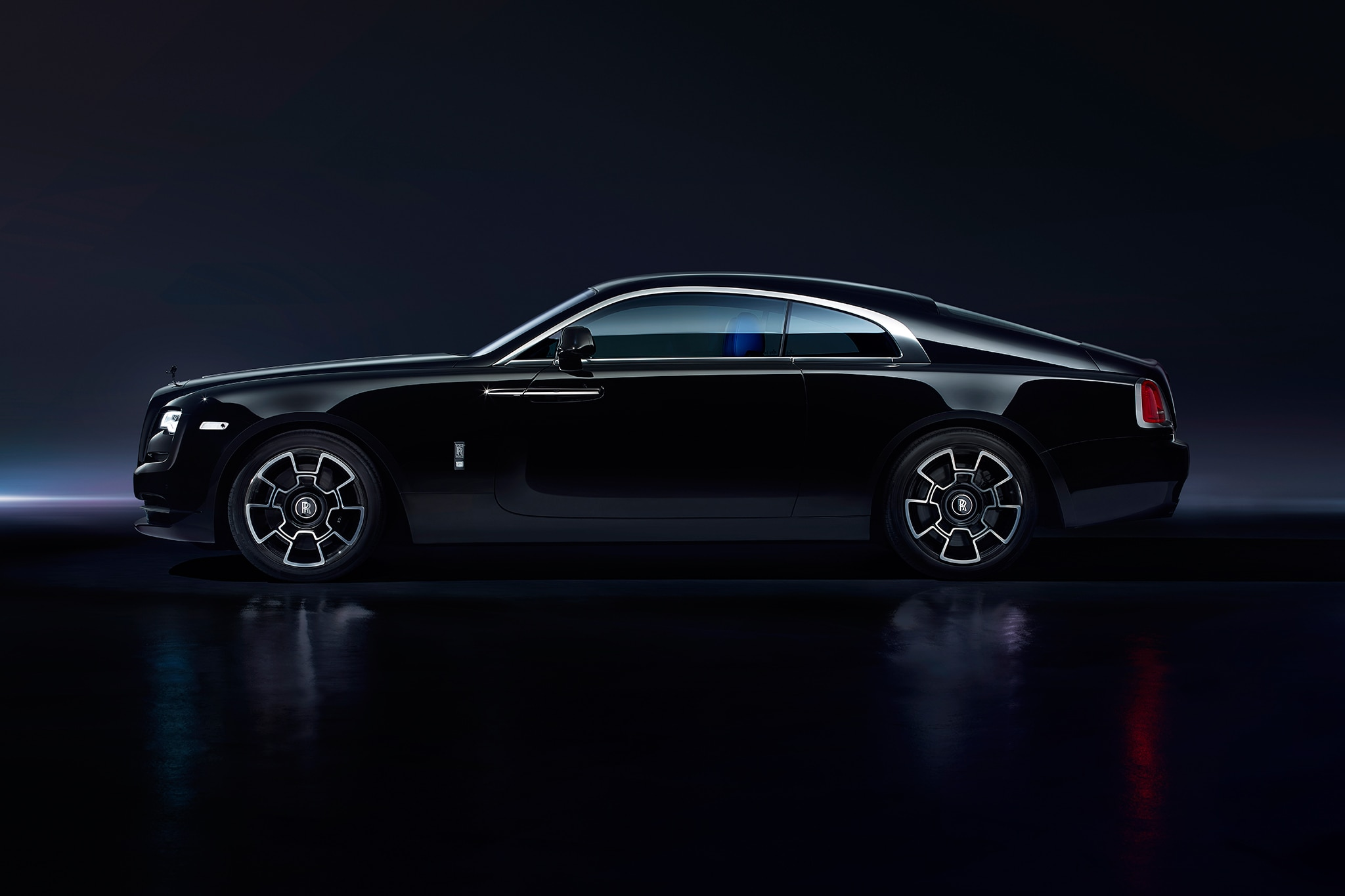 2017 rolls royce wraith black badge first drive. Black Bedroom Furniture Sets. Home Design Ideas