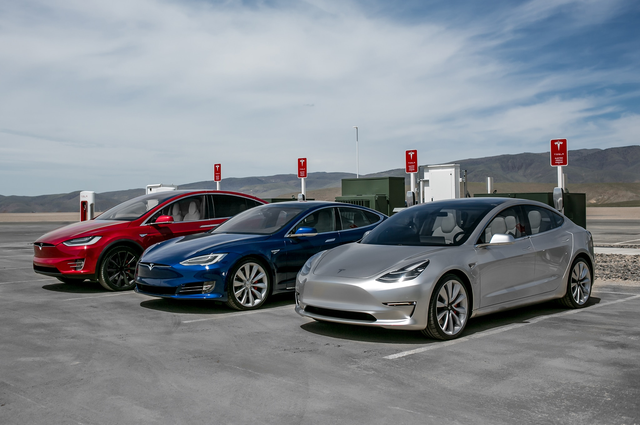 tesla tells supercharger space hoggers to pay up automobile magazine. Black Bedroom Furniture Sets. Home Design Ideas