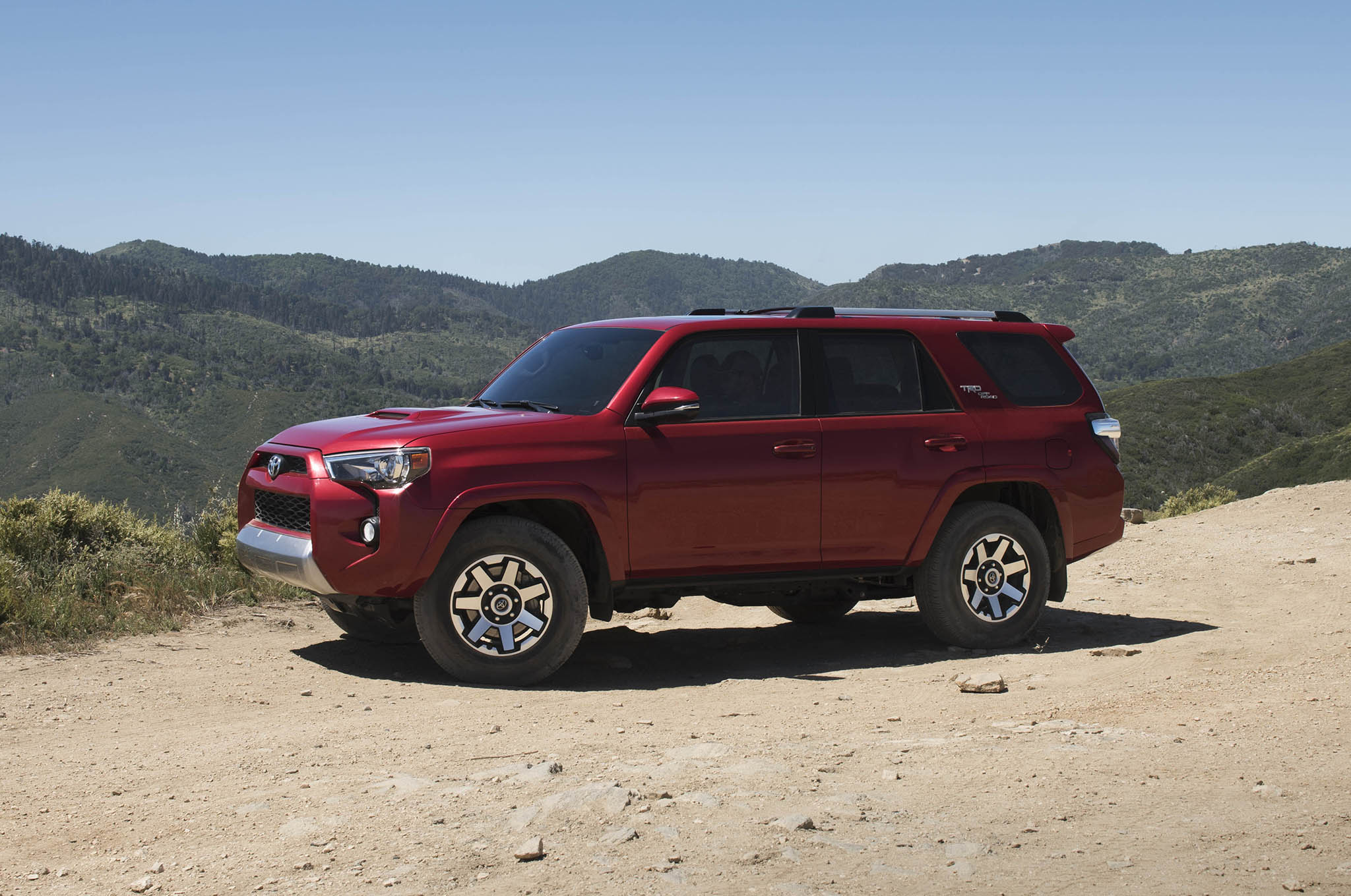 2017 toyota 4runner gains trd off road trd off road premium trims automobile magazine. Black Bedroom Furniture Sets. Home Design Ideas