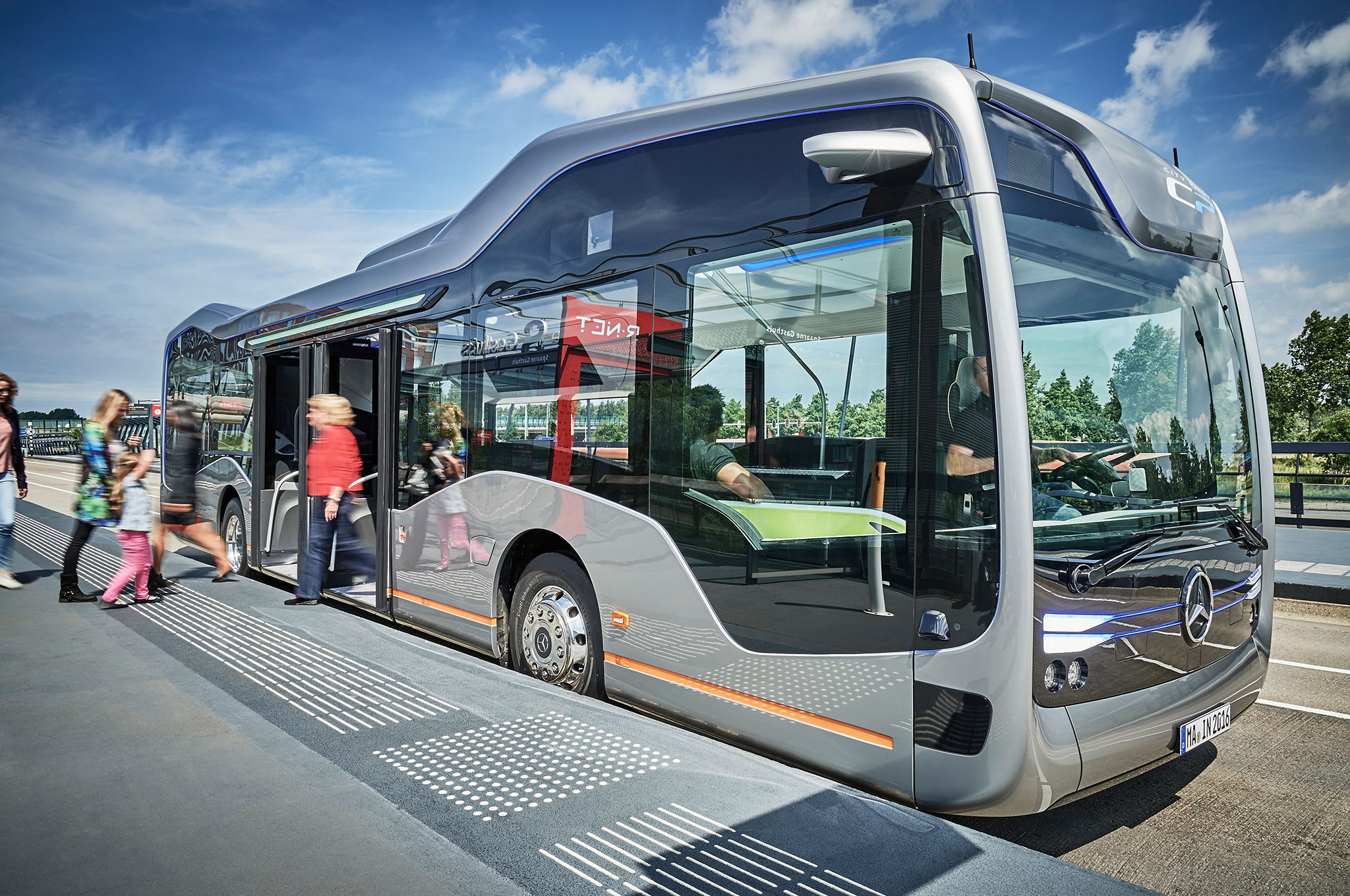 Mercedes Benz Future Bus with CityPilot profile