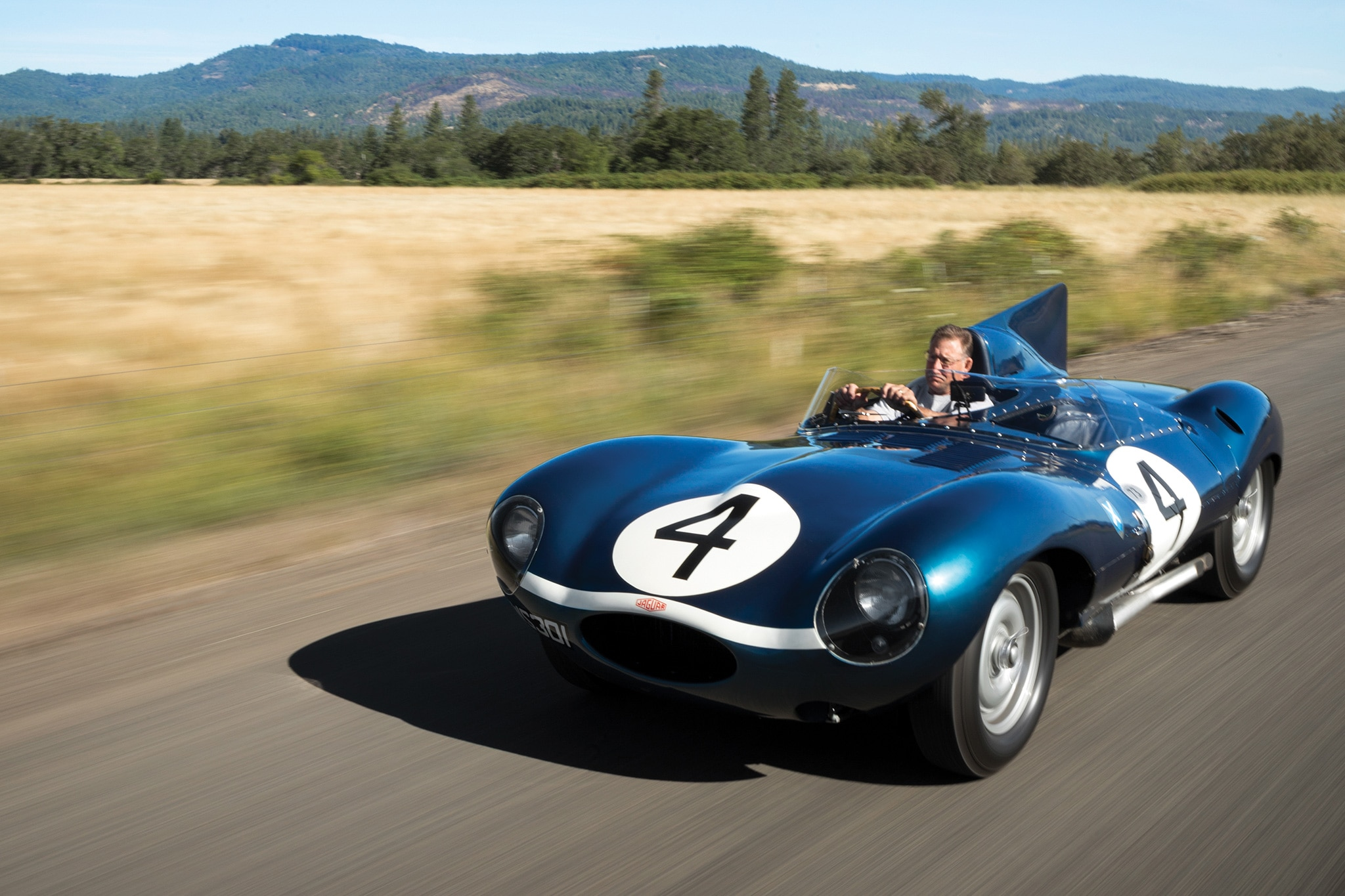1955 jaguar d type bonafide le mans champion crosses the auction block automobile magazine. Black Bedroom Furniture Sets. Home Design Ideas