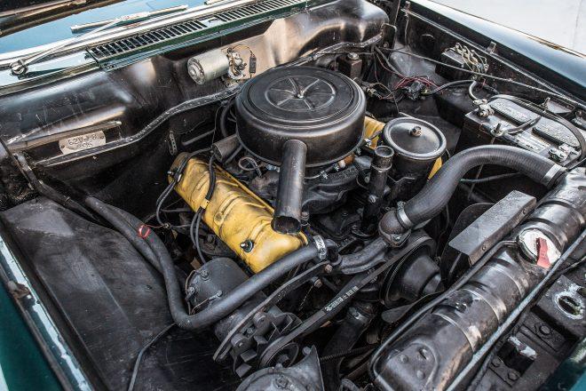 1962 Studebaker Lark Daytona Convertible engine