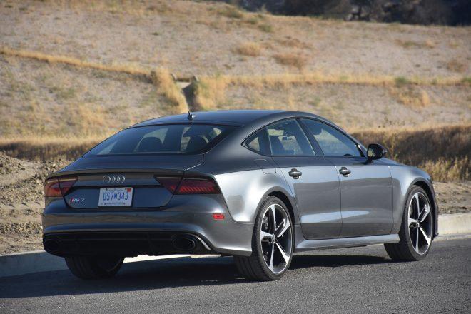 2016 Audi RS7 Performance rear three quarter 02