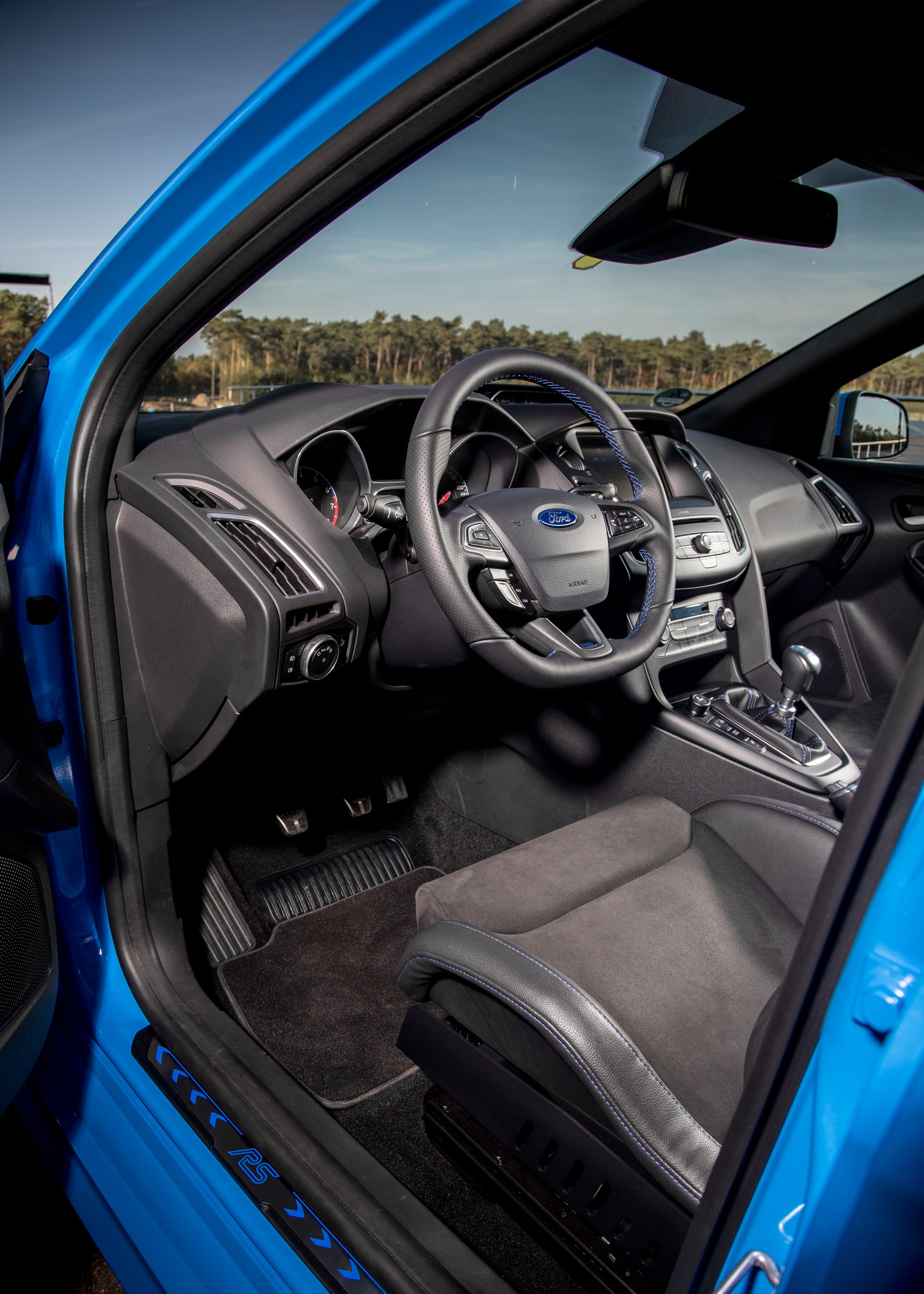 ford focus rs gets ams performance tune to 410 hp. Black Bedroom Furniture Sets. Home Design Ideas