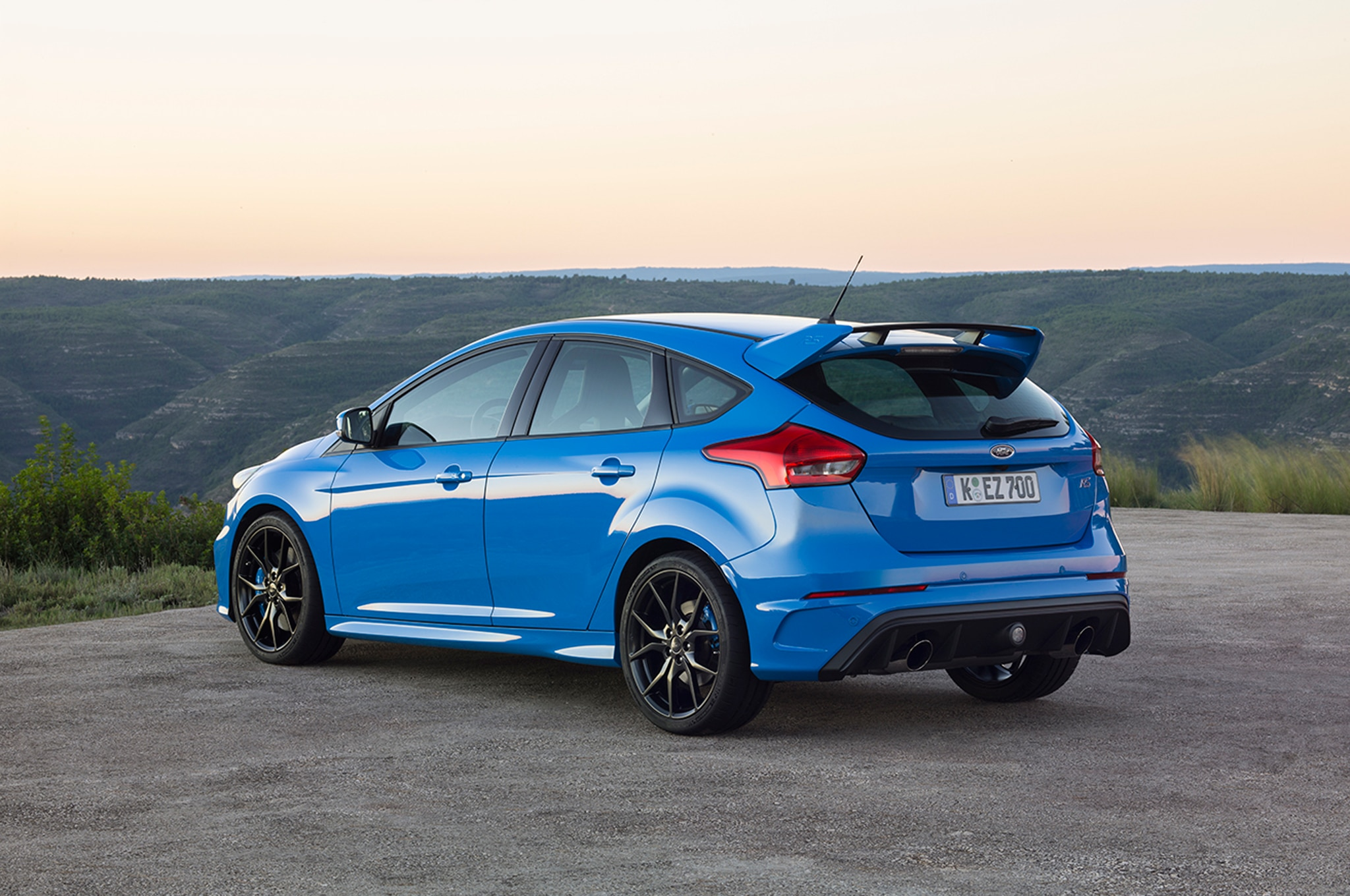 ford focus rs gets ams performance tune to 410 hp automobile magazine. Black Bedroom Furniture Sets. Home Design Ideas