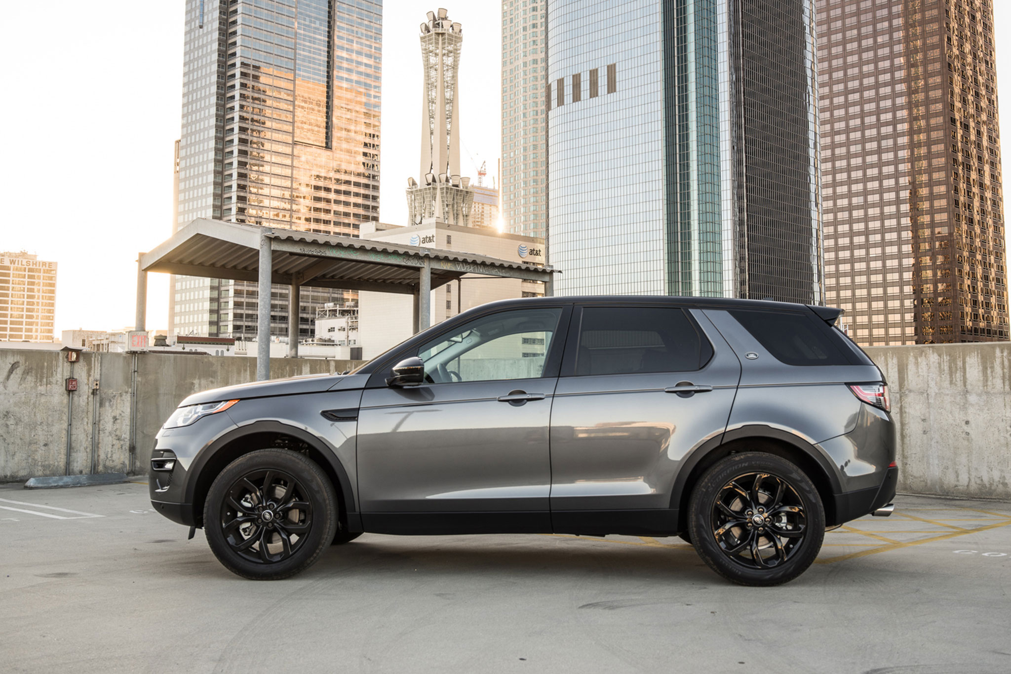 2016 Land Rover Discovery Sport HSE Side Profile
