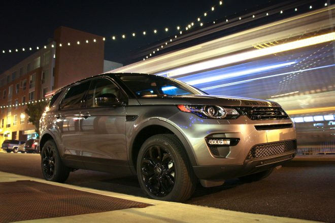 2016 Land Rover Discovery Sport front three quarter