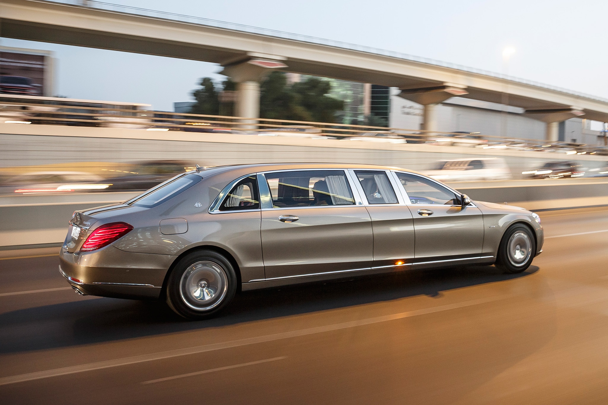 http://st.automobilemag.com/uploads/sites/11/2016/08/2016-Mercedes-Maybach-S600-Pullman-side-profile-in-motion-02.jpg