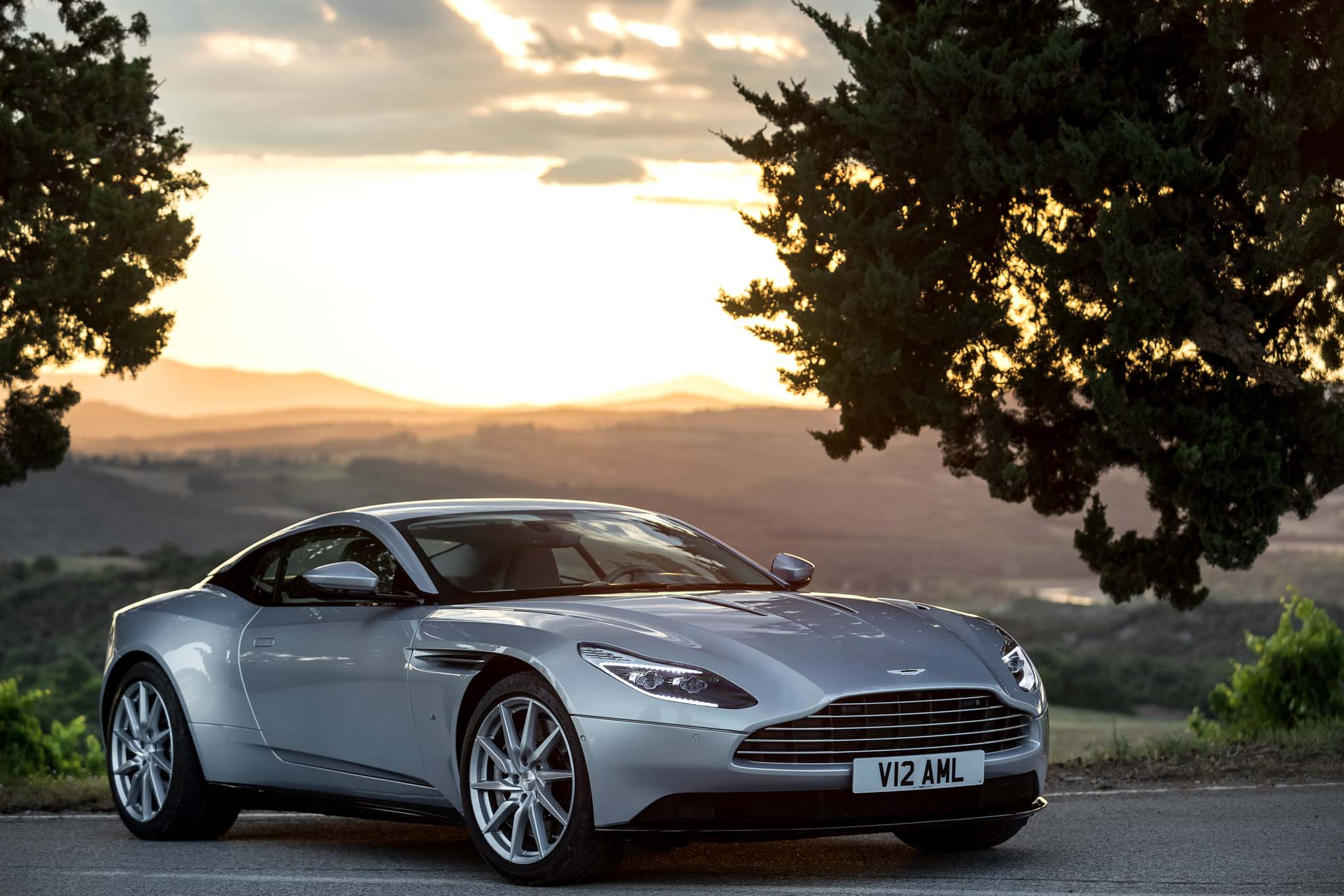 2017 aston martin db11 first drive. Black Bedroom Furniture Sets. Home Design Ideas