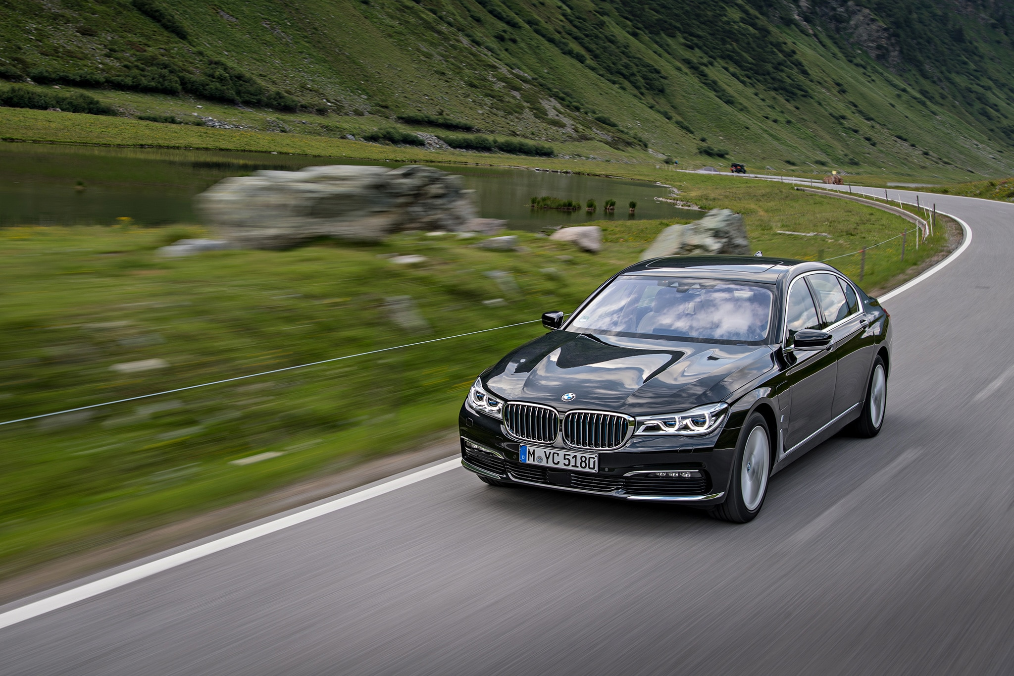 2017 BMW 740e XDrive IPerformance Heads To Dealerships 20 Advertisement Skip 1